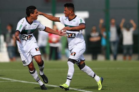Lances do jogo entre Figueirense e Metropolitano