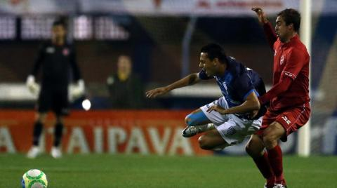 Avaí encara o Vila Nova pela Série B do Brasileirão