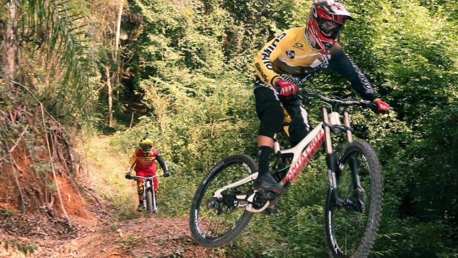 Um dia normal para Lucas Borba e Nataniel Giacomozzi não pode faltar um treino de MTB