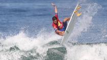 Icaro Rodrigues dá um aéreo em Maresias