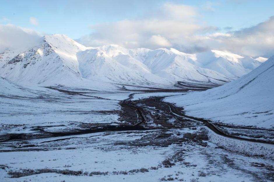 Passo Atigun a 1.444 metros de altitude no Alasca,  Estados Unidos