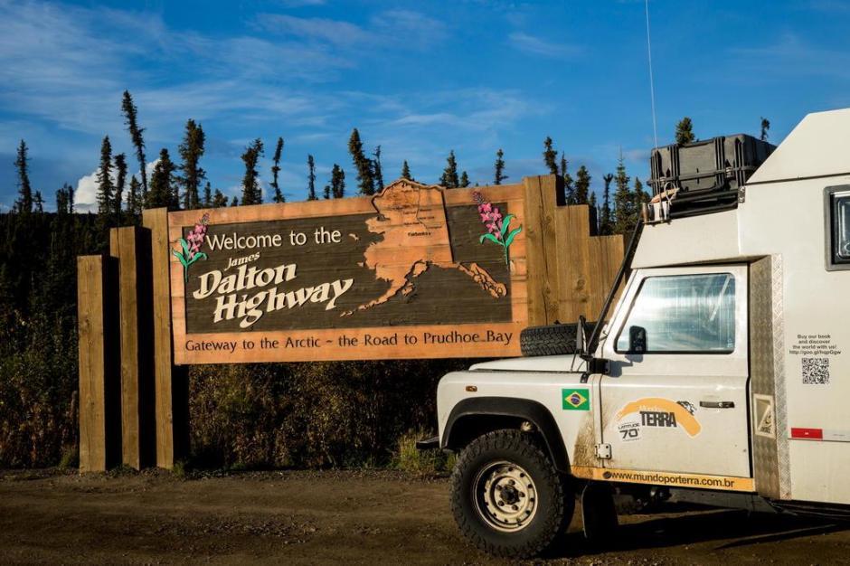 Início da Rodovia Dalton, que os levará para a latitude 70, no Alasca