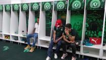 Jogadores desolados no vestiário da Chapecoense.