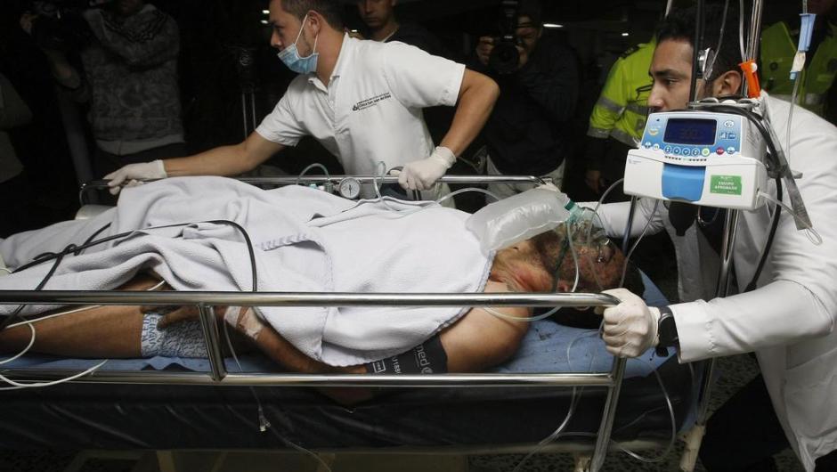 Pelo menos 90 socorristas foram para o local e seis pessoas foram resgatadas com vida na madrugada