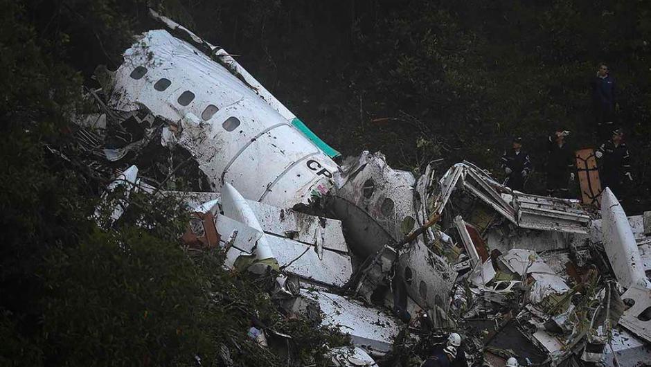 Os pilotos acionaram autoridades aéreas colombianas para relatar falhas elétricas por volta da 0h30min