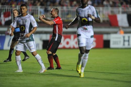 JEC vence o Metropolitano e encerra jejum no Campeonato Catarinense Maykon Lammerhirt/Agencia RBS